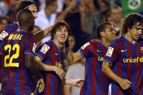 En esta imagen podemos ver lo feliz que estaban los jugadores al golear al Racing de visitante.