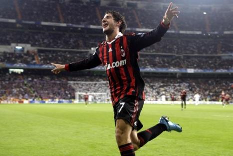 En esta imagen podemos ver a la figura del encuentro celebrando el gol decisivo.